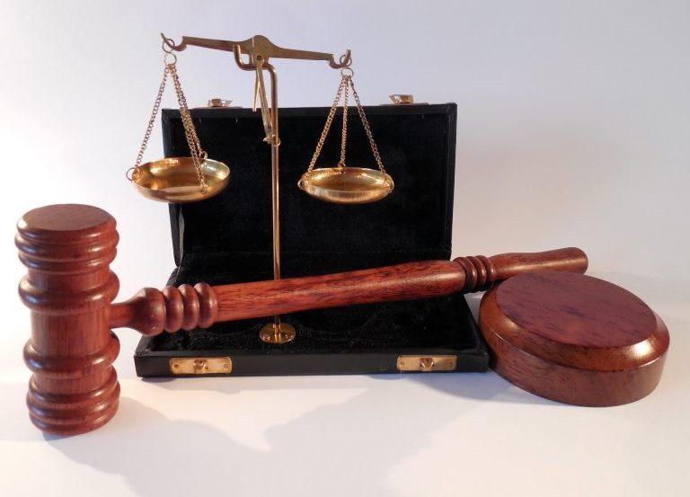 Pārstāvība tiesā